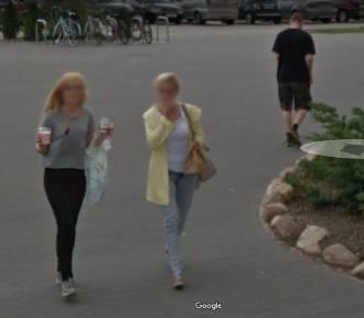 """Leszno. Zobaczcie, kogo """"przyłapały"""" kamery Google Street View na zakupach [ZDJĘCIA]"""