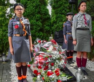 99. rocznica plebiscytu. Kwiaty na mogile w Janowie [ZDJĘCIA]
