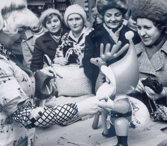 Zobacz, jak robiono zakupy w czasach PRL. Dużo archiwalnych zdjęć