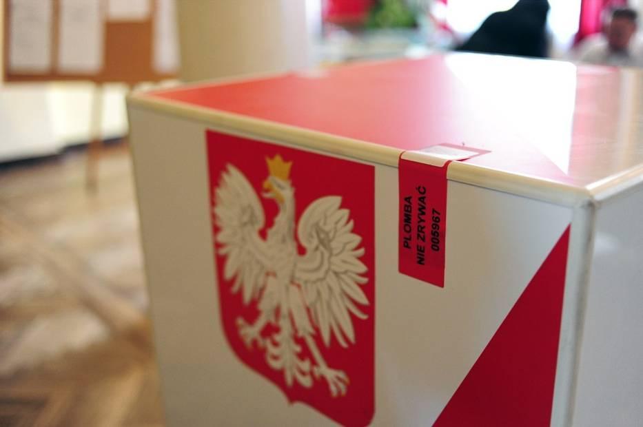 Sprawdź, jakie zasady obowiązują w lokalach wyborczych