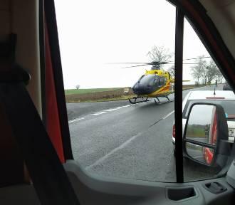 Wypadek na DK11. Poszkodowanych jest 5 osób, w tym dzieci