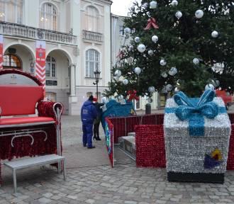 Trwa świąteczne ozdabianie Wejherowa [ZDJĘCIA]