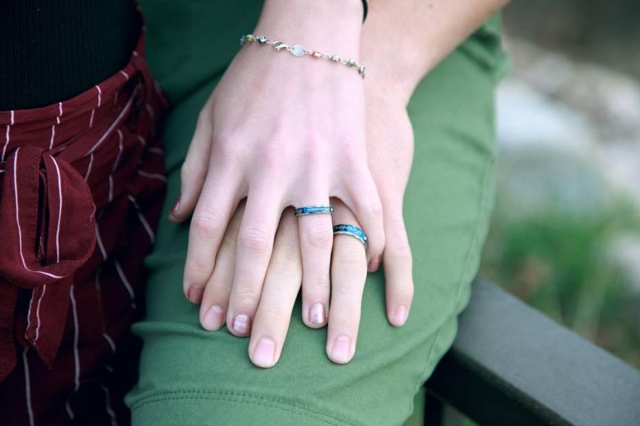 Chcecie mieć wyjątkowe obrączki ślubne? Zobaczcie w naszej galerii najpiękniejsze obrączki dla indywidualistów