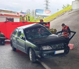 Śmiertelny wypadek na DTŚ obok Auchana. Nie żyje kierująca nissanem