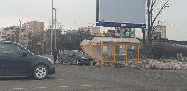 Do nietypowego zdarzenia doszło na parkingu centrum handlowego Tulipan (Auchan) przy al
