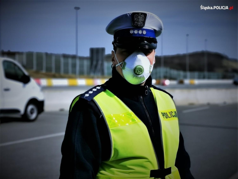 Godzina policyjna podczas narodowej kwarantanny jest możliwaJednym z możliwych scenariuszy jest wprowadzenie godziny policyjnej