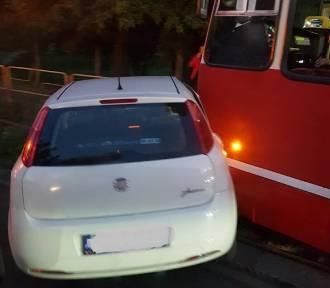 Tramwaj zderzył się z samochodem w Sosnowcu ZDJĘCIA