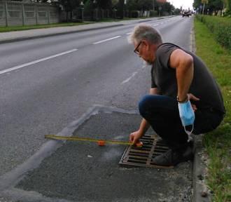 Radni z terenu przy ulicy Kaliskiej w Sycowie ruszyli na studzienki z metrówkami!