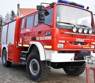 Kupili wóz strażacki dla OSP z gminy Malechowo [ZDJĘCIA]