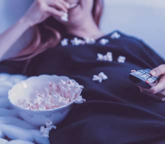 Co obejrzeć w weekend? Sprawdź filmowe i serialowe propozycje dla każdego!