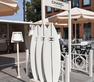 W Gdańsku jak na francuskiej Rivierze - Chanel á lá plage.
