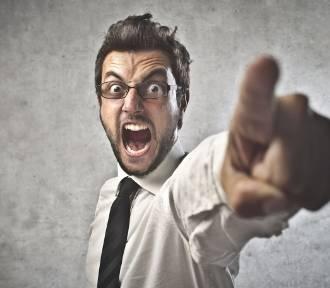 Szef ma prawo krytykować pracownika, jednak nie może naruszać jego godności