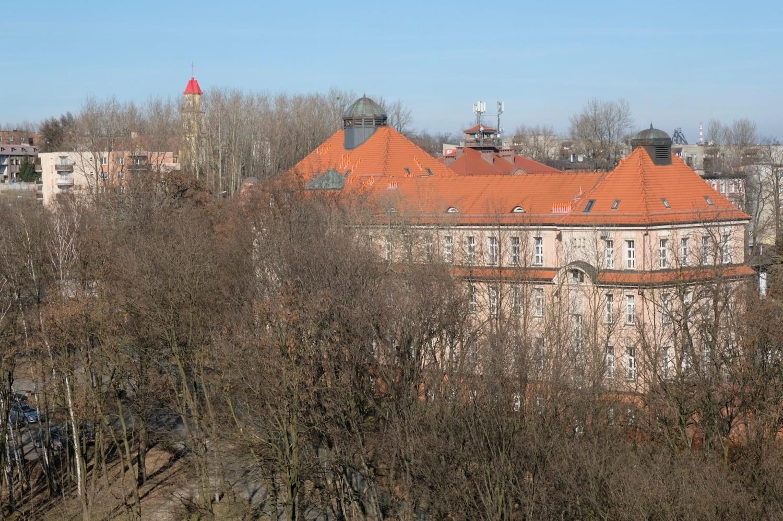 Co widać z okien wieżowców w Bielszowicach i na Wirku? Taki widok mają lokatorzy mieszkań na ostatnich piętrachZobacz kolejne zdjęcia