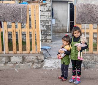 Jak wygląda życie w obozie uchodźców w Iraku i Syrii? Zobacz zdjęcia i nagrania