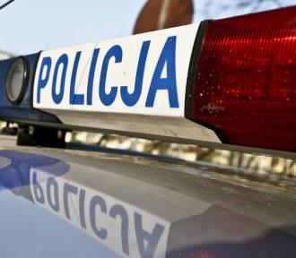 Ukradli ze sklepu dwa koszyki pełne zakupów. Uciekali przed ochroną autem
