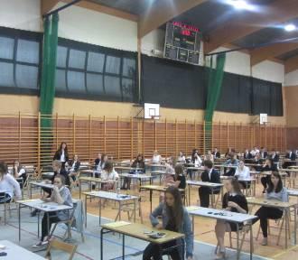 Rozpoczęła się matura z matematyki! Sprawdziliśmy nastroje tuż przed egzaminem
