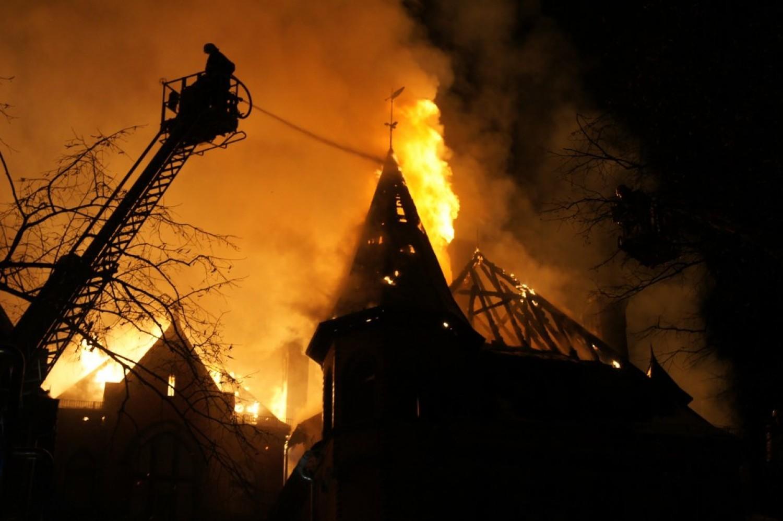 9 rocznica pożaru pałacu w Wąsowie. ZOBACZ ZDJĘCIA z akcji w 2011 r.