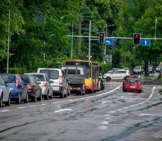 Zamknięta ulica Długa i ogromne korki w Wałbrzychu... [ZDJĘCIA]