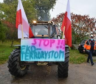 Ponad 100 ciągników przejechało przez Bytów w proteście rolników| ZDJĘCIA+WIDEO