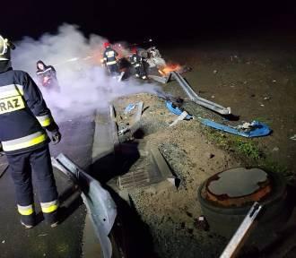 Wypadek na drodze S7. Ciężarówka uderzyła w barierki, spłonęła kabina pojazdu [ZDJĘCIA]