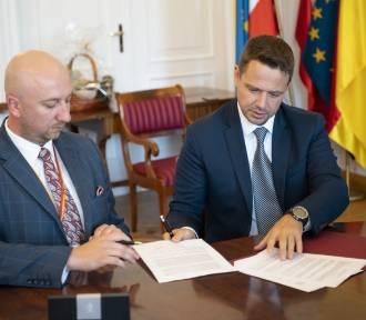 Warszawa przekazuje 2 miliony zł na pomoc gminom na Podkarpaciu