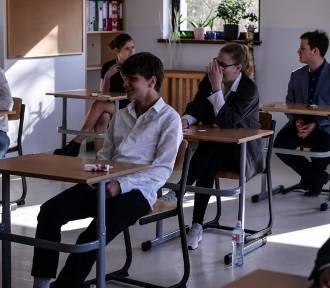 Egzamin gimnazjalny z CKE - historia, WOS [arkusze i odpowiedzi]