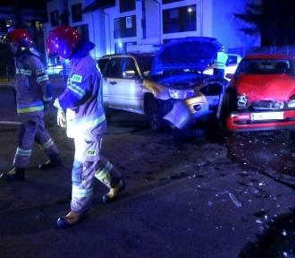 Wrocław. Groźnie wyglądający wypadek na Muchoborze. Jedna osoba w szpitalu [ZDJĘCIA]