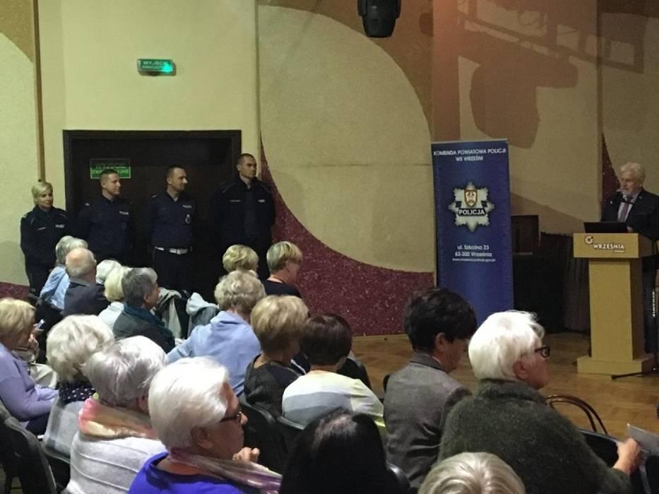 Września: Seniorzy spotkali się z policją. Rozmawiali o bezpieczeństwie