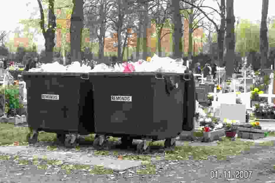 Kosze na cmentarzu komunalnym w Gliwicach - stan na 1 listopada 2007