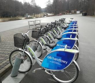 Katowice: sezon na rowery miejskie otwarty. Od dziś dostępnych jest ponad 300 rowerów [LISTA STACJI,