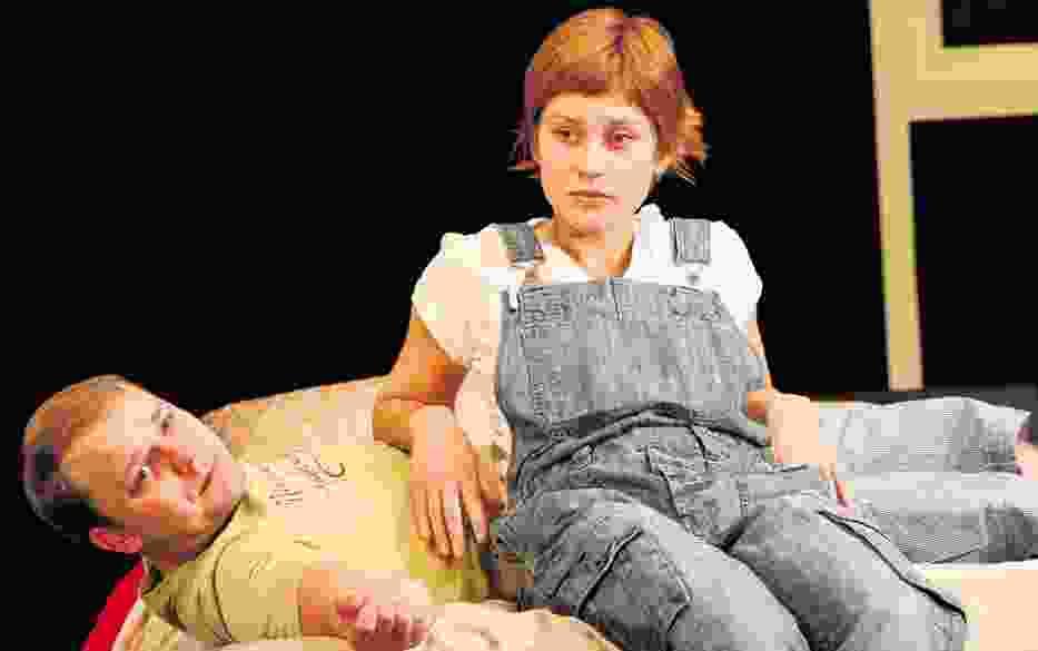 Bartosz Turzyński i Monika Buchowiec w scenie z przedstawienia