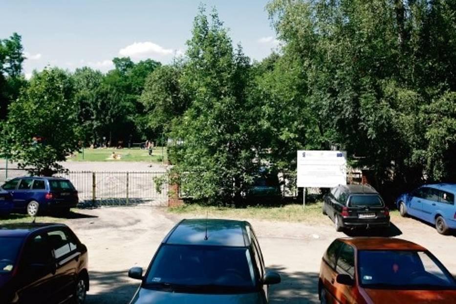 Boisko-lodowisko zostanie wybudowane na odkrytym miejskim kąpielisku przy ul