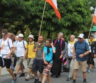 Kaszubska najdłuższa piesza pielgrzymka w Polsce dotarła do Radziejowa [zdjęcia]