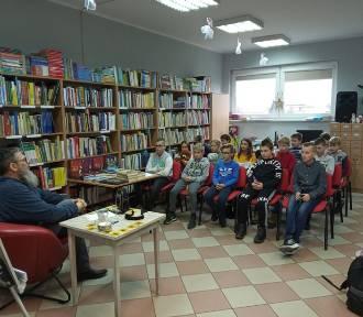 Spotkanie autorskie z Pawłem Wakułą w chockiej bibliotece