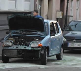 Zdarzenie na ul. Zdunowskiej z udziałem 4 aut. Droga jest zablokowana [ZDJĘCIA]