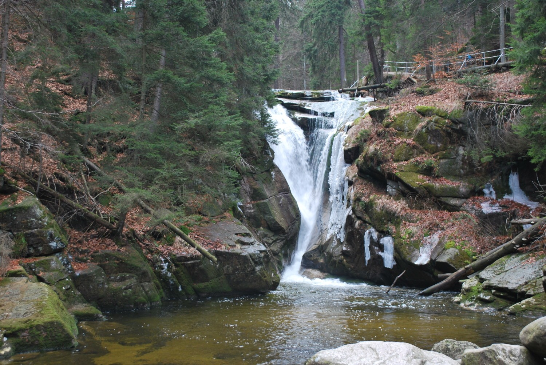 Znalezione obrazy dla zapytania wodospad szklarka