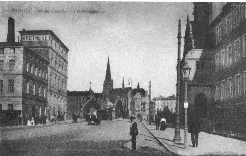 Ulica Energetyków (Die grosse Lastadie), z widokiem na wieżę katedry Św