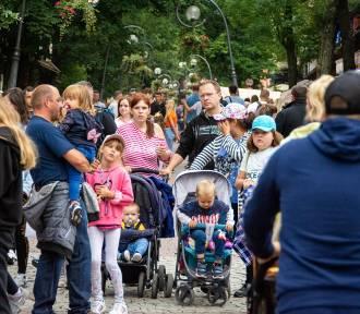 Tłoczny lipiec pod Giewontem! Turyści chcą zdążyć przed czwartą falą pandemii