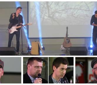 """Konferencja naukowa i koncert Bartosza """"Bartasa"""" Szymoniaka [ZDJĘCIA]"""