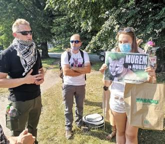 Kraków. Protest w sprawie najsłynniejszej pumy w Polsce. Czy zoo to areszt?
