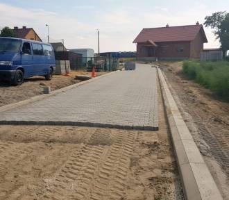 Trwa budowa drogi w Nowym Widzimiu. Zobacz zdjęcia