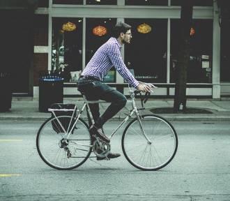 """""""Wojenki"""" pomiędzy rowerzystami, a pieszymi. Czy jedni i drudzy potrafią się dogadać?"""