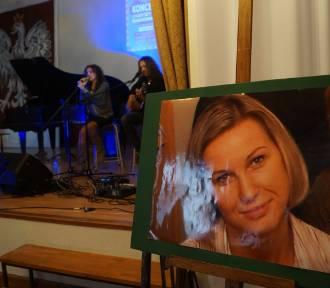 Koncert charytatywny i kiermasz dla Kasi w III LO w Inowrocławiu [zdjęcia]