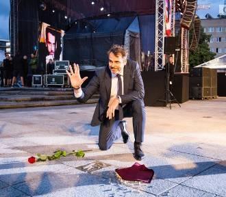 Festiwal Gwiazd 2019 w Międzyzdrojach. Kto w tym roku odcisnął swoją dłoń? [ZDJĘCIA]