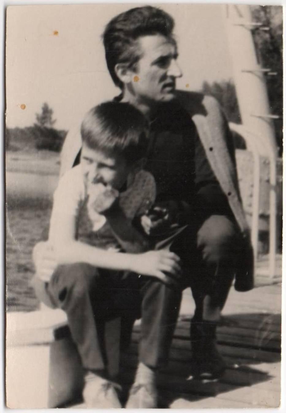 Jerzy Kałdowski na fotografiach i obrazie syna