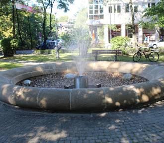 Zabytkowa fontanna znów trysła wodą