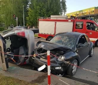 Starogard Gd. Wypadek na skrzyżowaniu Armii Krajowej i Jana Pawła II. Dwie osoby ranne ZDJĘCIA