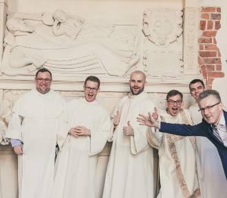 Tak noszą się zakonnicy