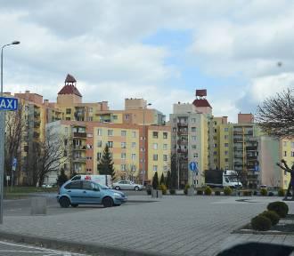 Pustki na kaliskich ulicach i osiedlach. Mieszkańcy miasta stosują się do zasad kwarantanny ZDJĘCIA