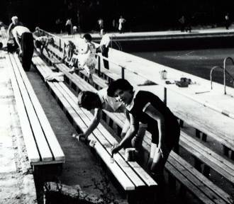 Budowa i uroczystość otwarcia basenu w Kraśniku. Archiwalne zdjęcia!